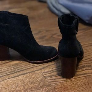 Splendid booties - black suede size 8.5